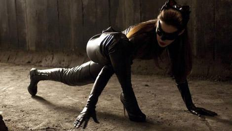 new-catwoman-featurette-from-the-dark-knight-rises-watch-now-122058-470-75